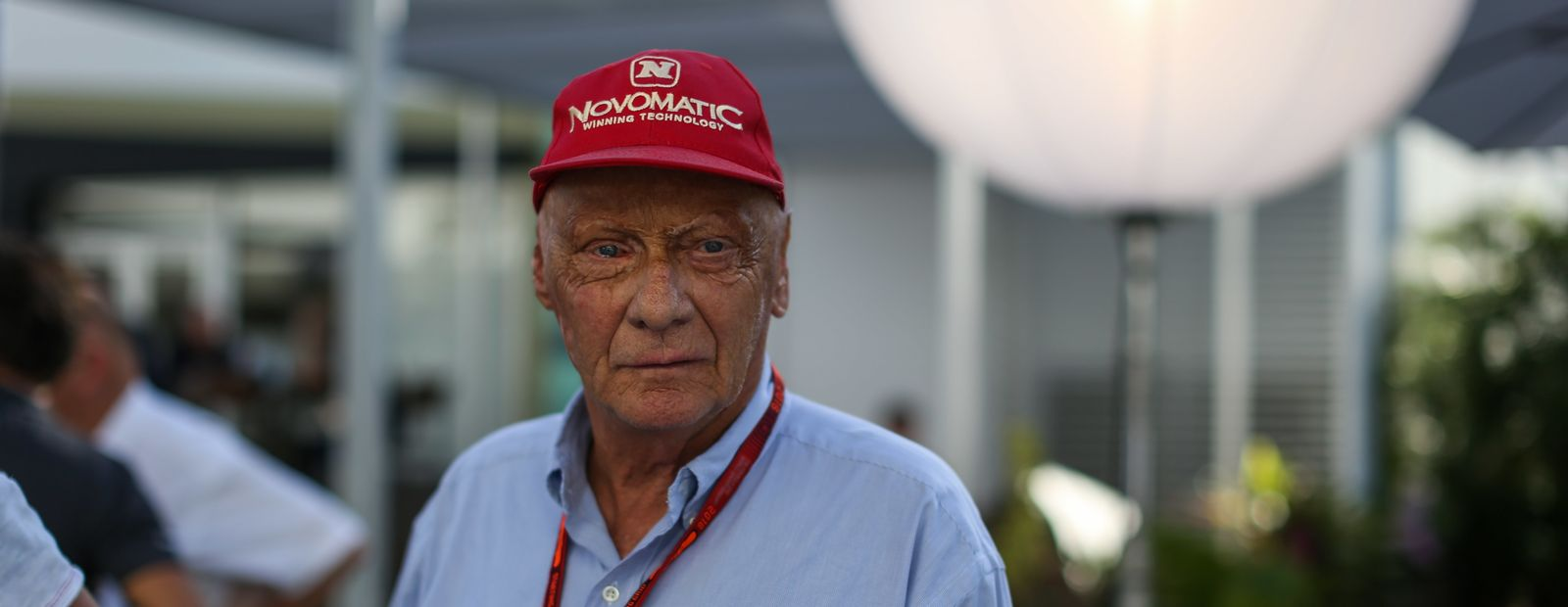 McLaren pays tribute to Niki Lauda