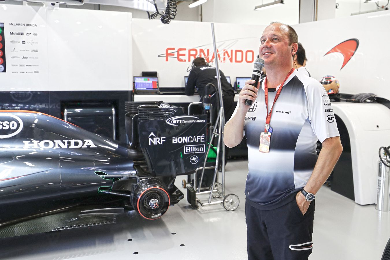 mclaren formula 1 - mclaren snaps: head of partner activation