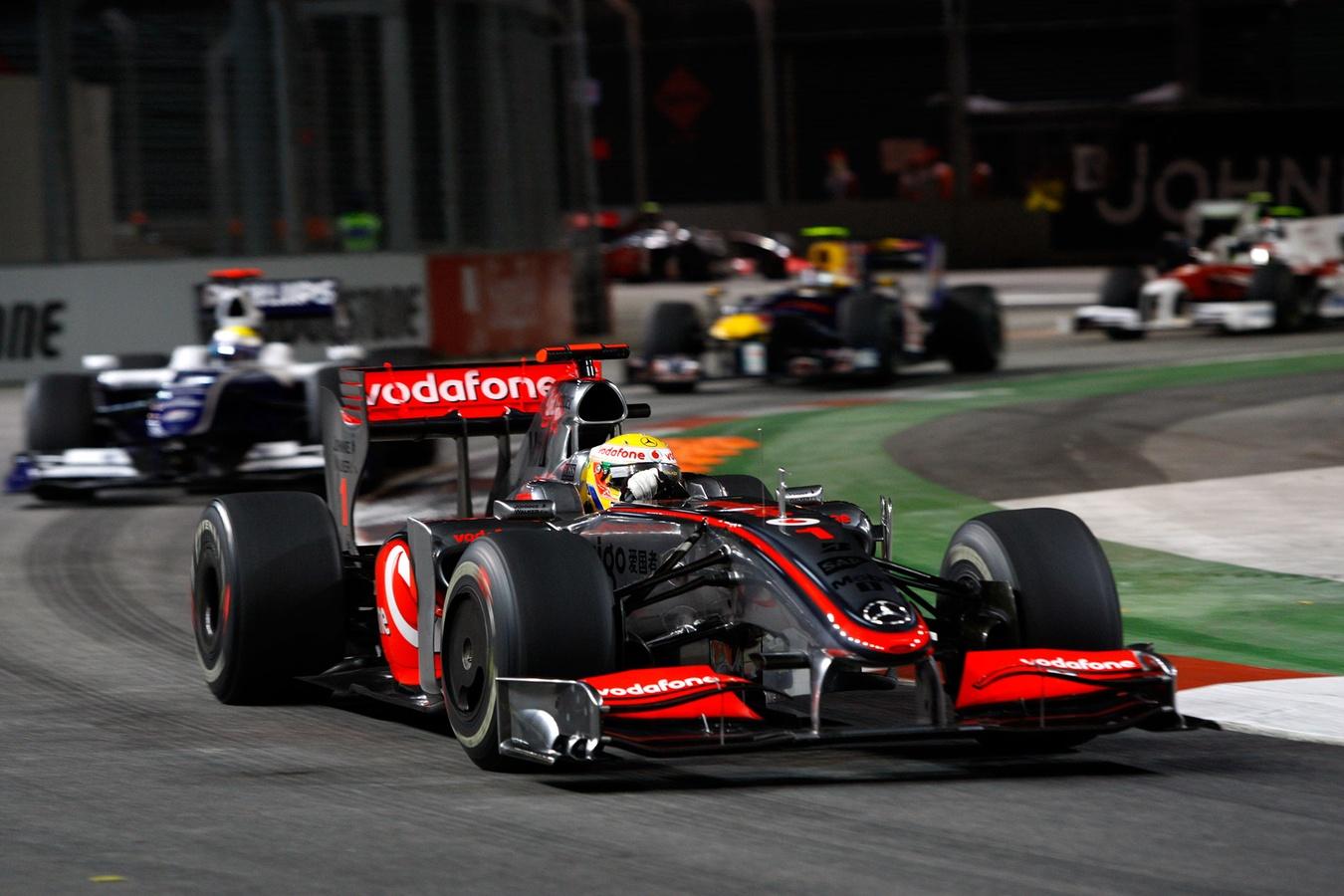 Фотография Льюиса Хэмилтона на Гран-при Сингапура