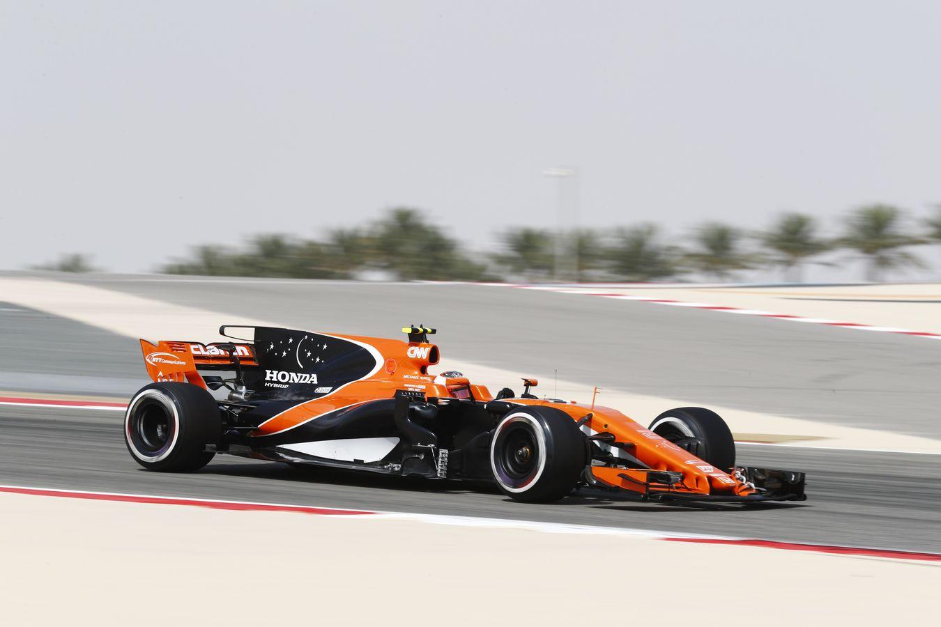 mclaren formula 1 - 2017 bahrain grand prix - free practice