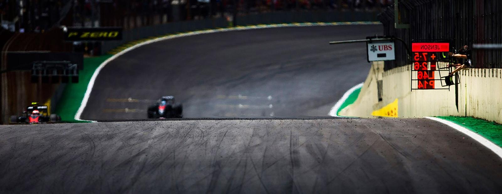 3c3fdac110b1 McLaren Formula 1 - 2016 Season - Brazilian Grand Prix